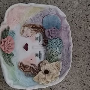 Decorative plate/wall hanging